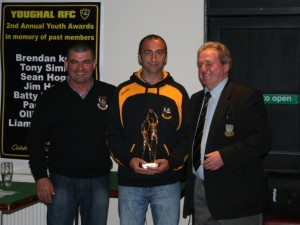 Norman McDonald presents Clubman of the Year Award to Pat O'Keeffe