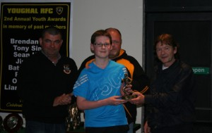 Paddy Lane Jnr presents Paddy Lane Award to Simon Kelly