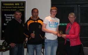 Tessie Griffin presents Batty Mulcahy Award to Dean Ward